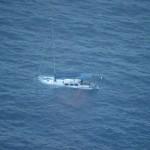 マレーシア航空370便探索に出ていたら遭難ヨットを発見