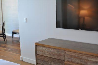 リッツカールトンワイキキ寝室テレビ
